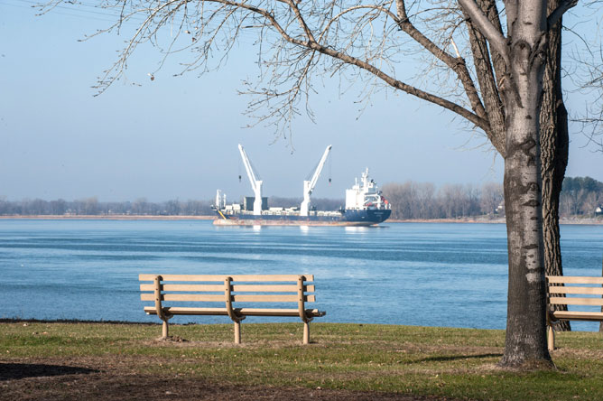 A commercial vessel on the St. Lawrence, seen from Pointe-aux-Pins park