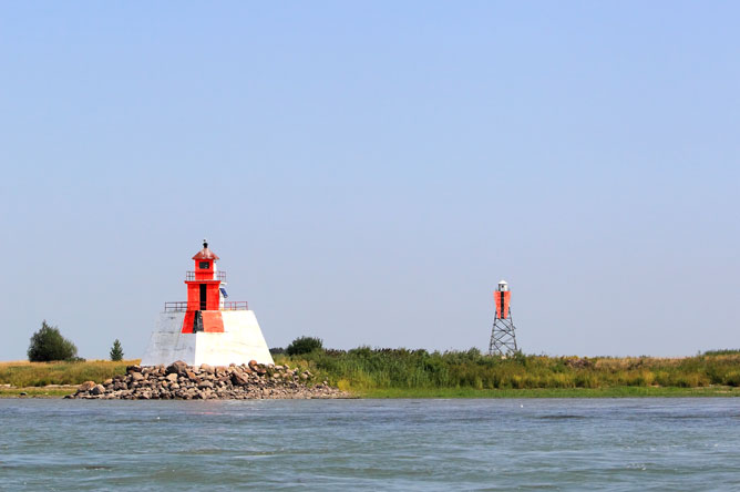 Lighthouse and tower on Île du Moine, which serve as range lights.