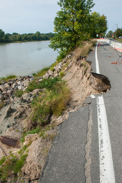 Road with collapsed bank near the Nicolet River