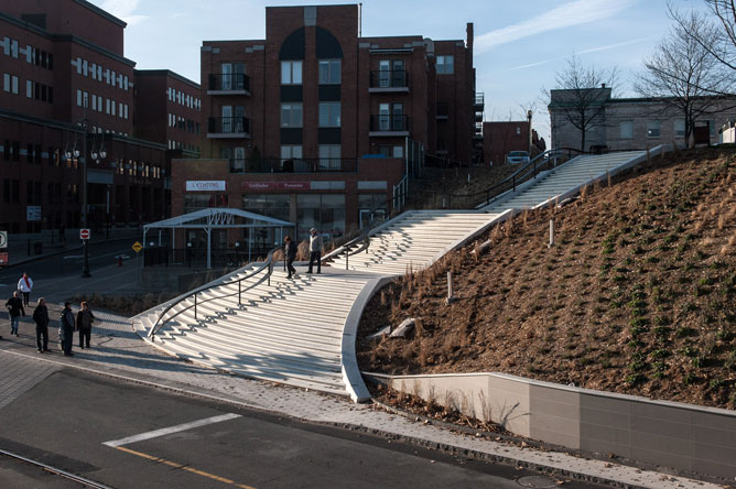 Monumental staircase linking the Harbourfront Park to Old Trois-Rivières.